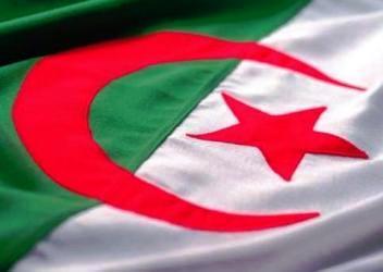 Le Forum d'Alger célèbre le 24 Février 1971 dans ALGERIE ECONOMIE Copie_de_algerie_drapeau-0e6ec