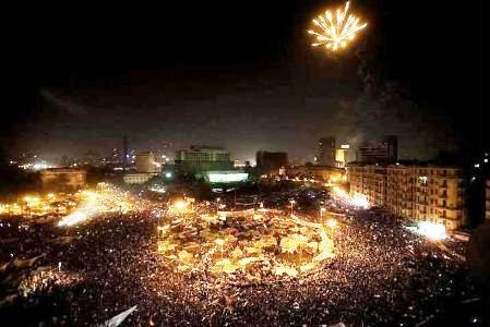 Tahrir_we_are_all_for_us_egyptians-2.jpg