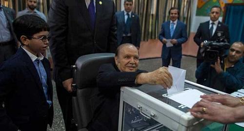 Bouteflika a réussi son coup de force en se maintenant encore au pouvoir avec le soutien de l'appareil militaro-sécuritaire, de la bureaucratie et des réseaux de l'argent (DR)