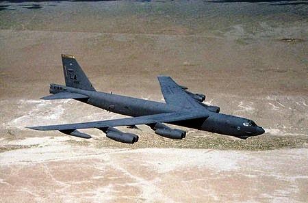 450px-Usaf.Boeing_B-52.jpg